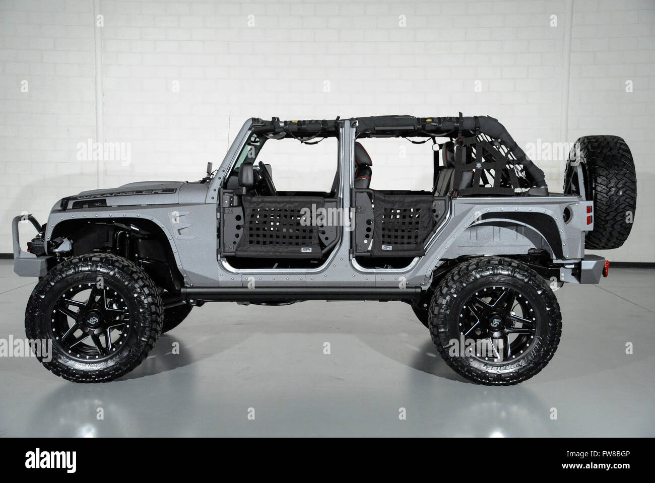 April 1 2016 Custom Jeep Wrangler With Custom Doors And Leather Stock Photo 101602950 Alamy