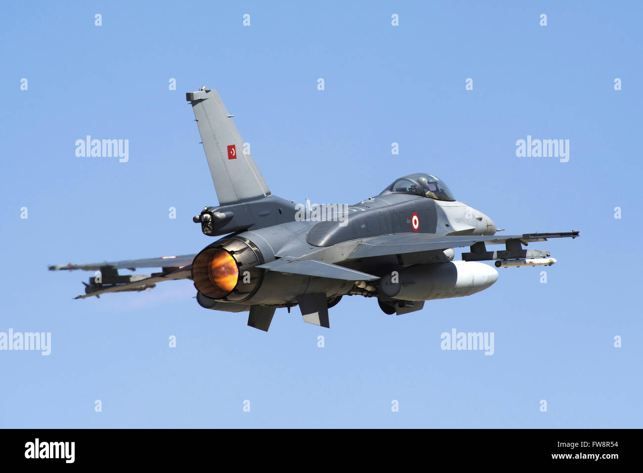 A Turkish Air Force modern F-16D Block50+ Fighting Falcon taking off, equipped with conformal fuel tanks. - Stock Image