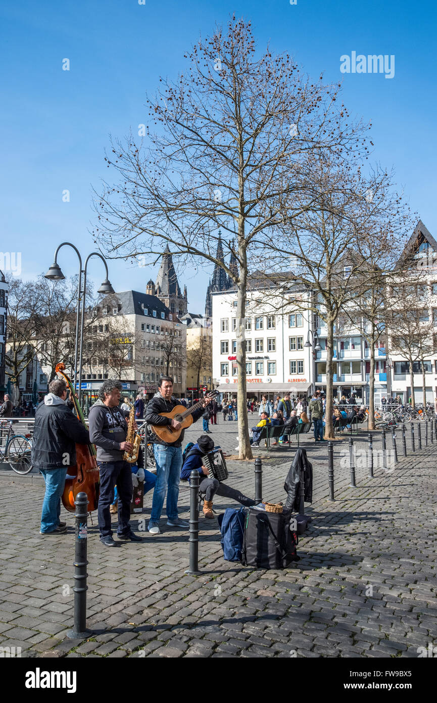 cologne street scene on neu platz