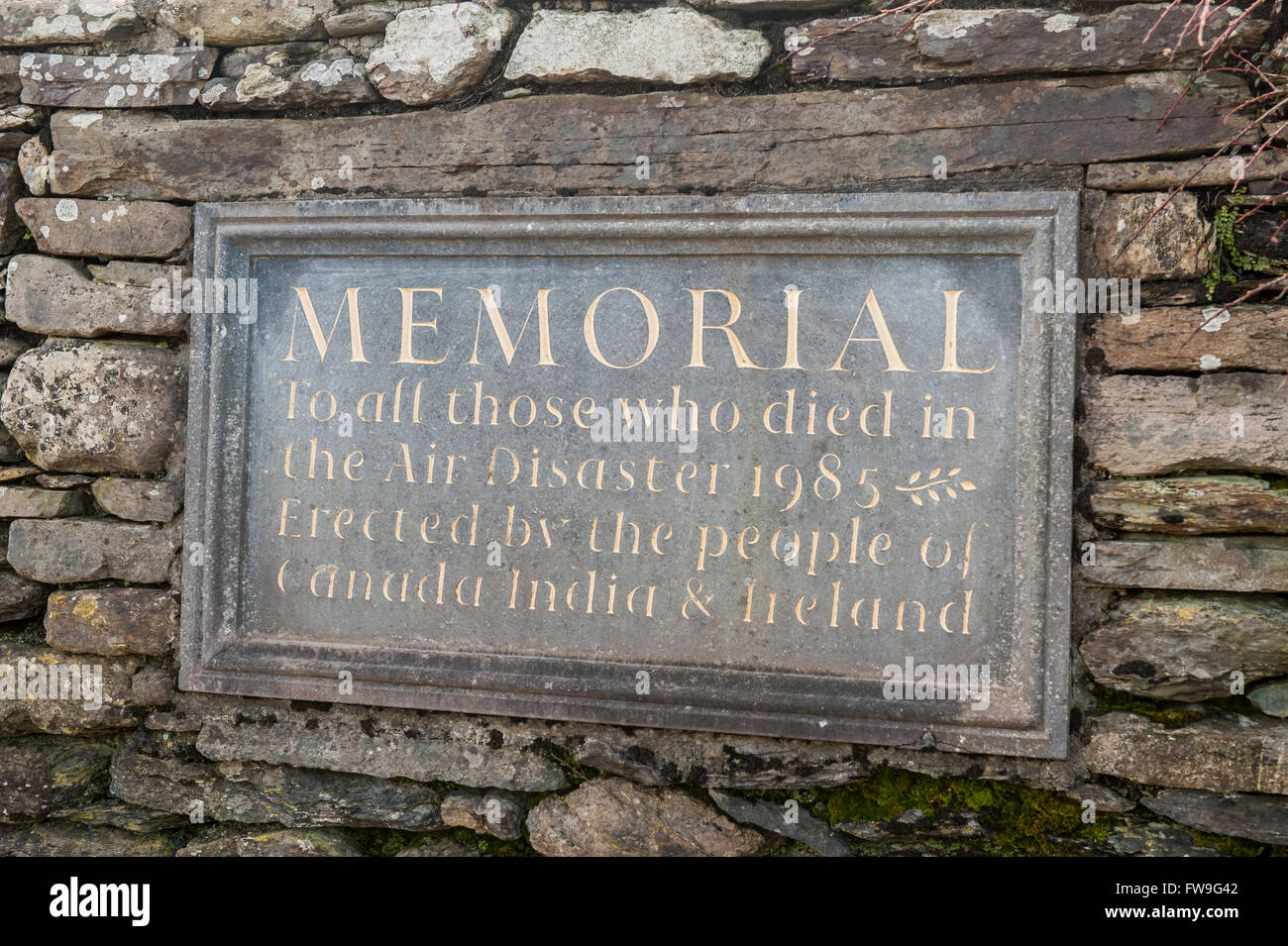 Plaque commemorating the1985 Air India disaster, caused by a terrorist bomb, over Ahakista, West Cork, Ireland. - Stock Image