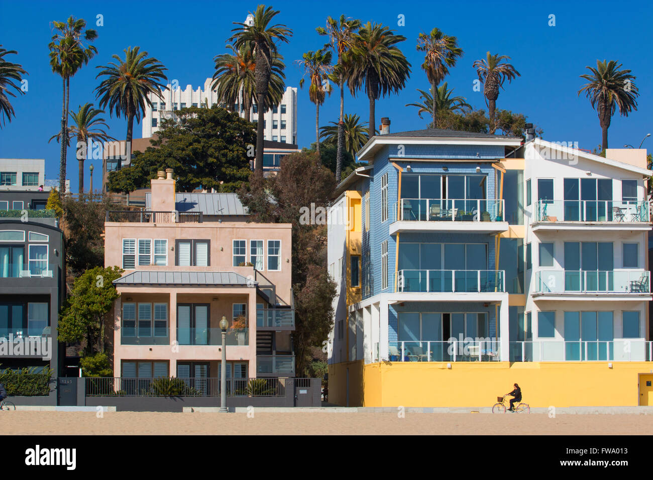 Houses on Santa Monica beach in Los Angeles - Stock Image