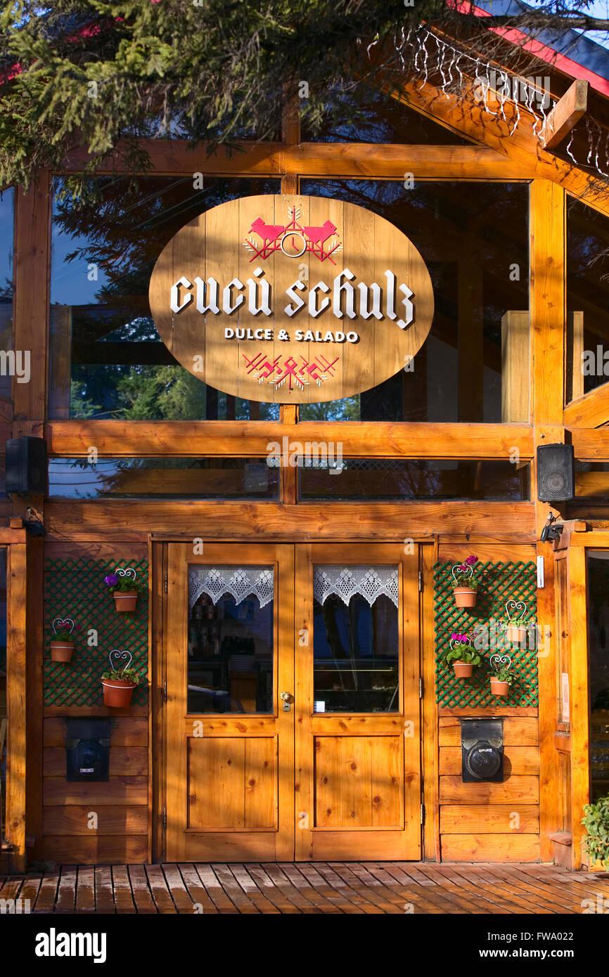VILLA LA ANGOSTURA, ARGENTINA - JULY 19, 2015: Entrance of Cucu Schulz restaurant and tea house along Los Arrayanes - Stock Image