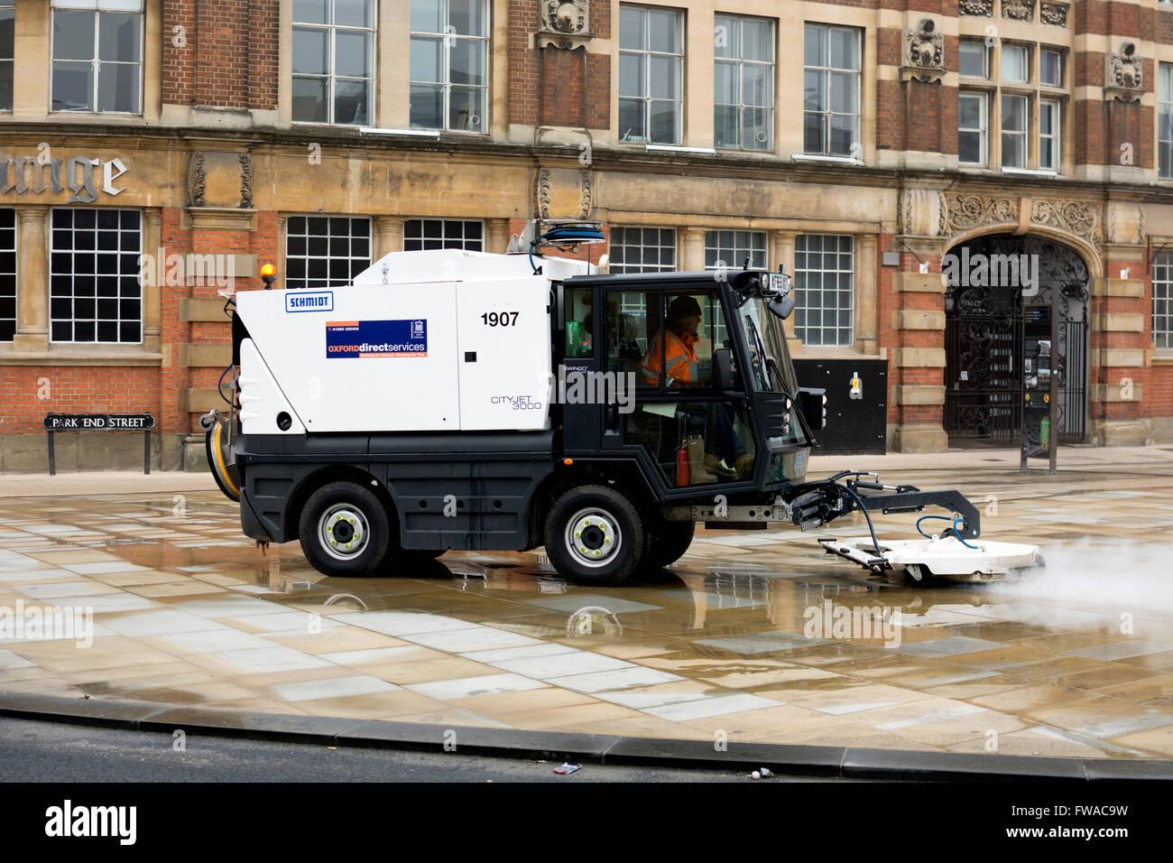 Schmidt Cityjet 3000 street cleaner, Oxford, UK - Stock Image