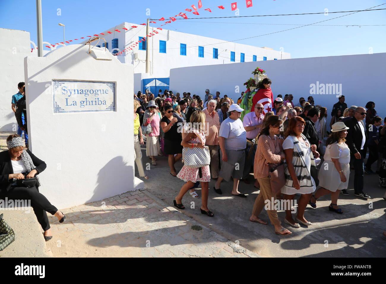 Tunisia : Pilgrimage to the Ghriba Synagogue -  16/05/2014  -  Tunisia / Djerba / Djerba  -  Procession of the Menorah - Stock Image