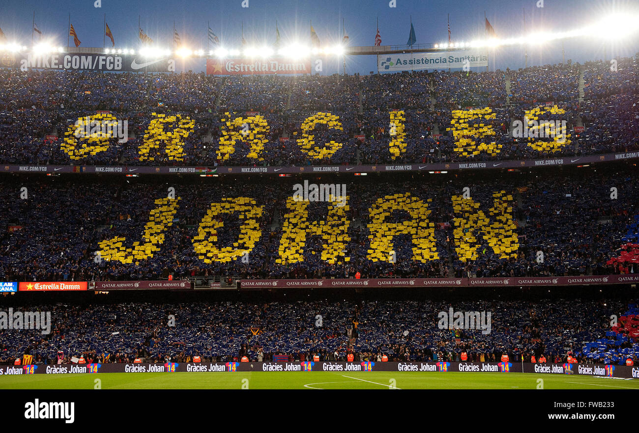 Barcelona. 2nd Apr, 2016. Football fans mark the words 'Thank you Johan' in memeory of the late Dutch football - Stock Image
