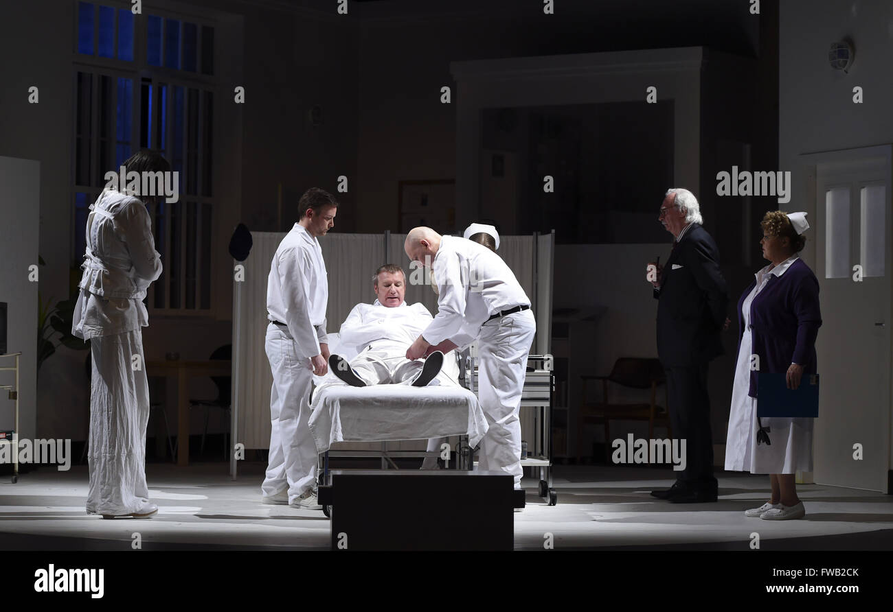 Berlin, Germany. 29th Mar, 2016. Actors (l-r) Peter Theiss (Chief Bromden), Till Priebe (Nurse Williams), Joerg - Stock Image