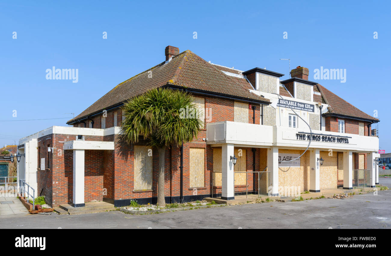 Closed hotel. The Kings Beach Hotel after closure in Pagham, Bognor Regis, West Sussex, England, UK. - Stock Image