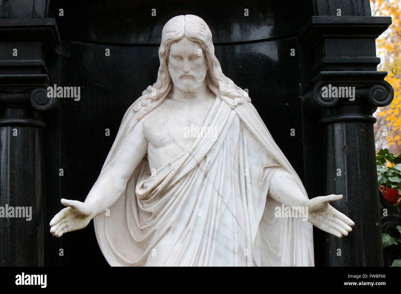 Jesus Christus Figur, Friedhof, Berlin. - Stock Image