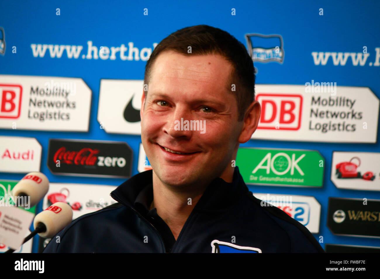 Pal Dardai - Vorstellung des neuen Trainers von Hertha BSC Berlin, 5. Februar 2015, Berlin. - Stock Image