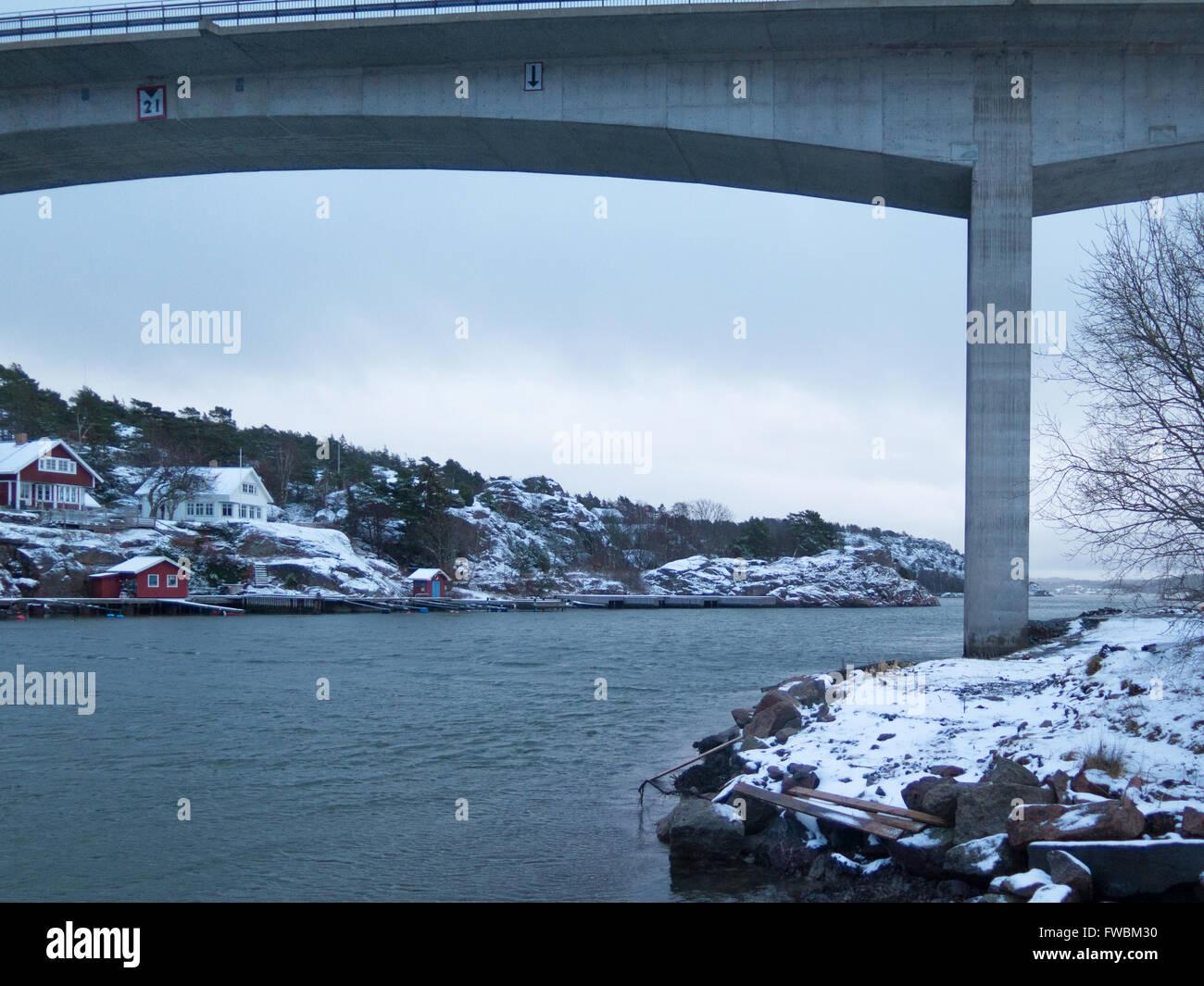 the bridge between orust and tjorn in winterlandscape - Stock Image