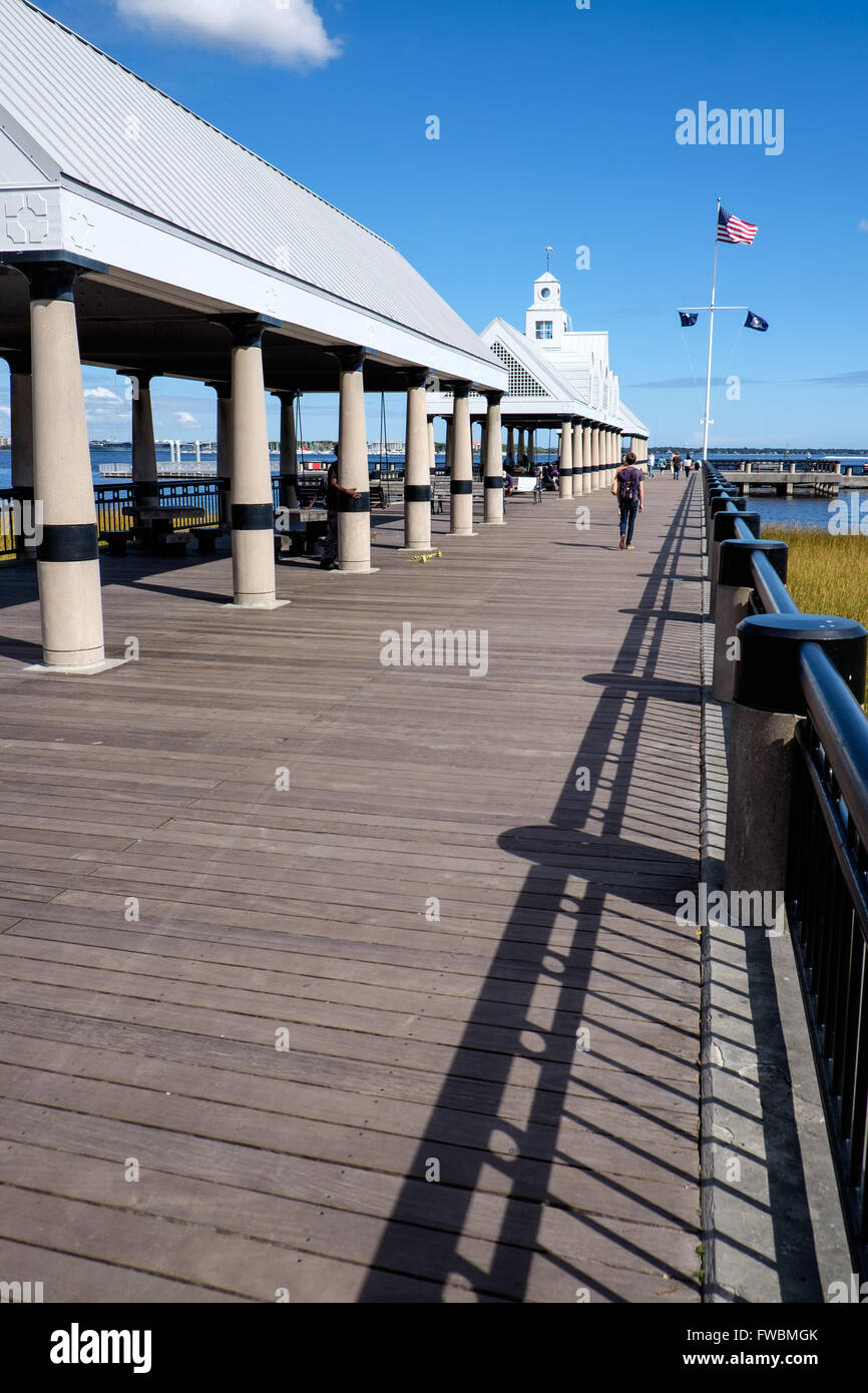 Pier jutting into harbour, Charleston, South Carolina, USA - Stock Image