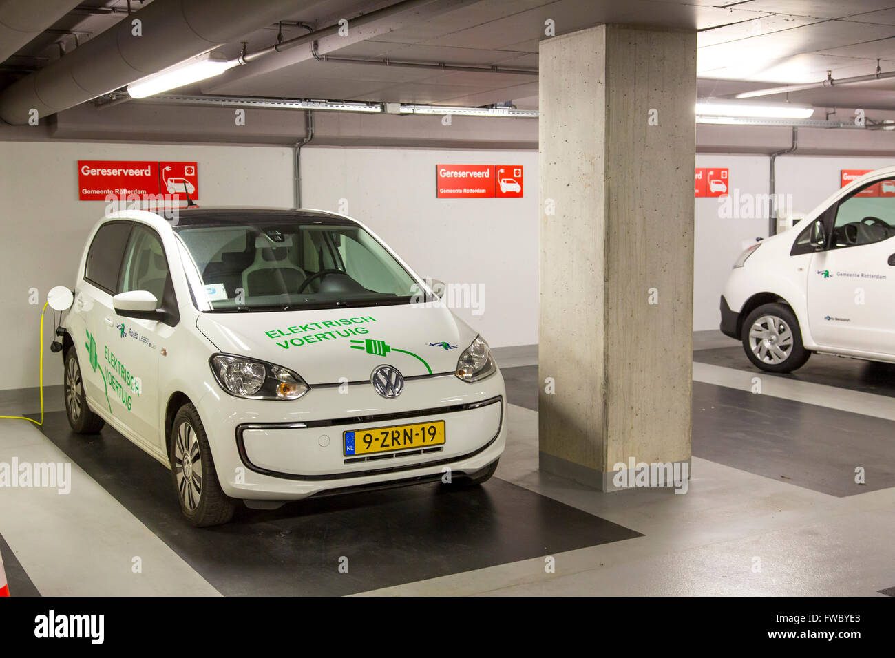 Auto Garage Rotterdam : Charging station for electric cars in a public parking garage stock