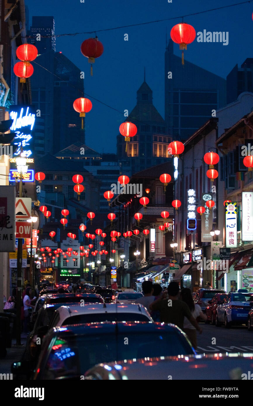 Chinatown in Singapore by night - Stock Image