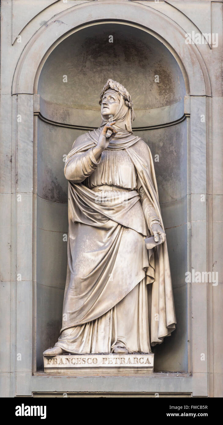 Florence, Florence Province, Tuscany, Italy.  Statue in Piazzale degli Uffizi of Italian scholar and poet Petrarch - Stock Image