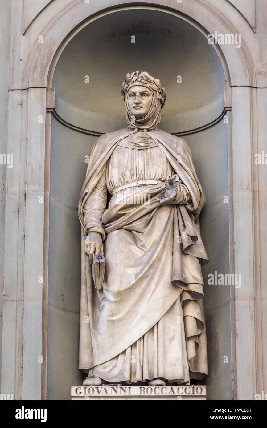 Florence, Florence Province, Tuscany, Italy.  Statue in Piazzale degli Uffizi of Italian poet Giovanni Boccaccio, - Stock Image