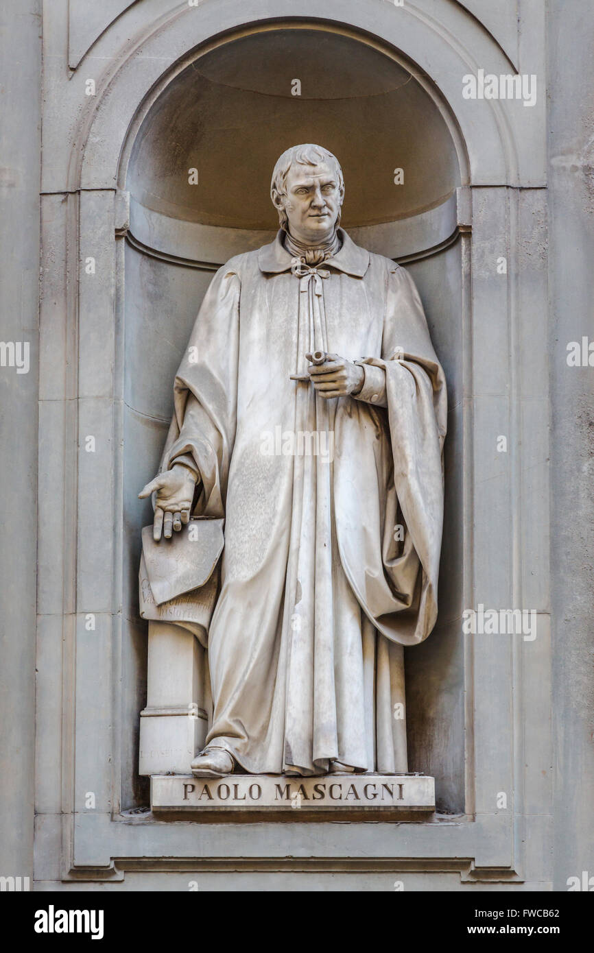 Florence, Florence Province, Tuscany, Italy.  Statue in Piazzale degli Uffizi of Italian physician Paolo Mascagni - Stock Image