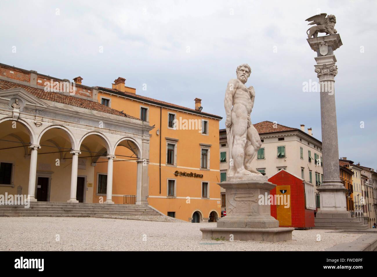 Statue in Piazza Libertà. Udine, Italy. - Stock Image