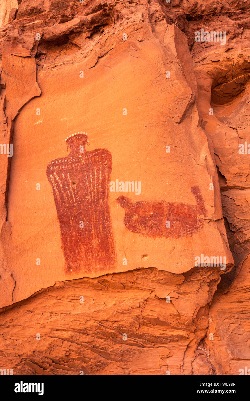 Crowned Figure Pictograph, Barrier Canyon style, rock alcove near Hog Springs Picnic Area, Bicentennial Highway, - Stock Image