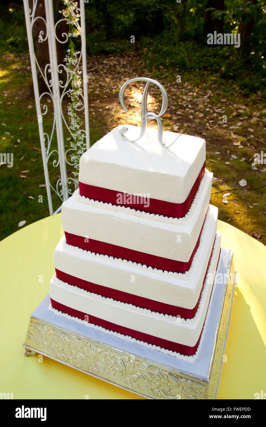 Square Wedding Cake High Resolution Stock Photography And Images Alamy