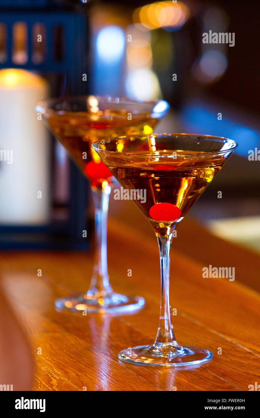 Martinis On The Bar At A Fancy And Elegant Wedding Reception Stock