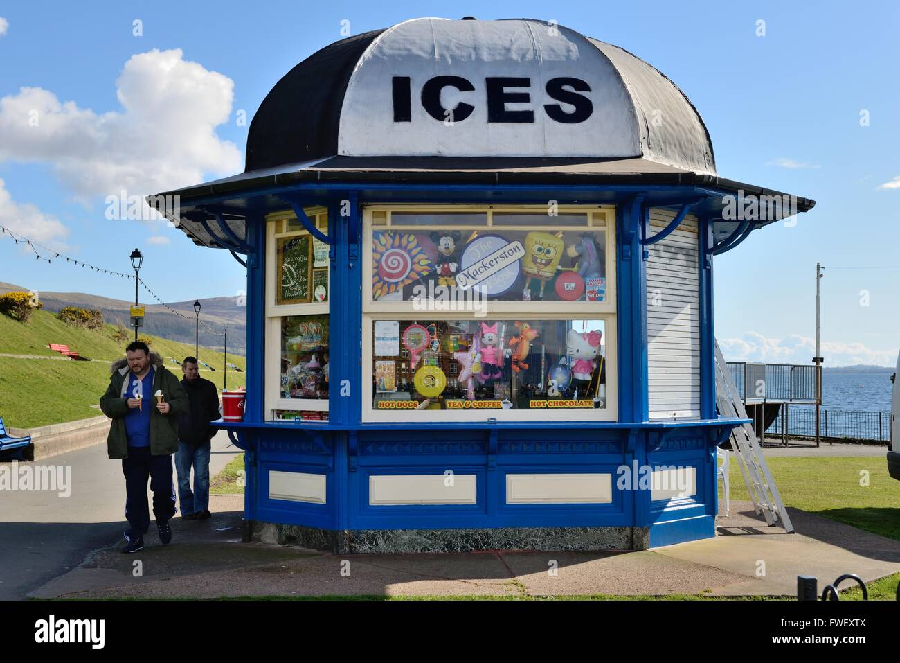 Ice cream kiosk on the promenade at Largs, Ayrshire, Scotland, UK - Stock Image