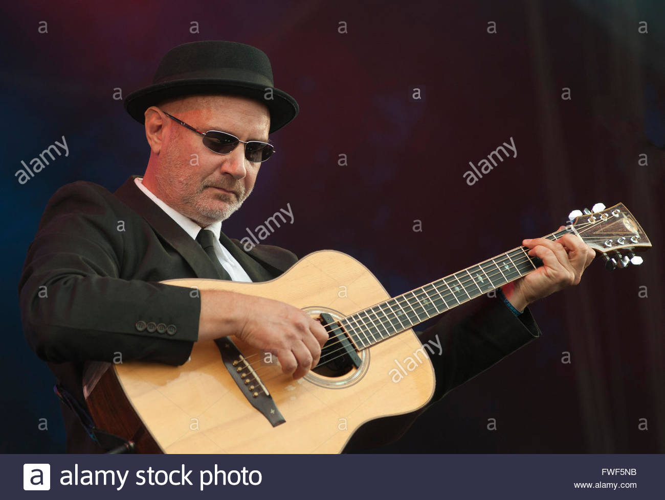 Keith Donnelly performing at the Fairport's Cropredy Convention, Oxfordshire, UK, 12 August 2010. - Stock Image