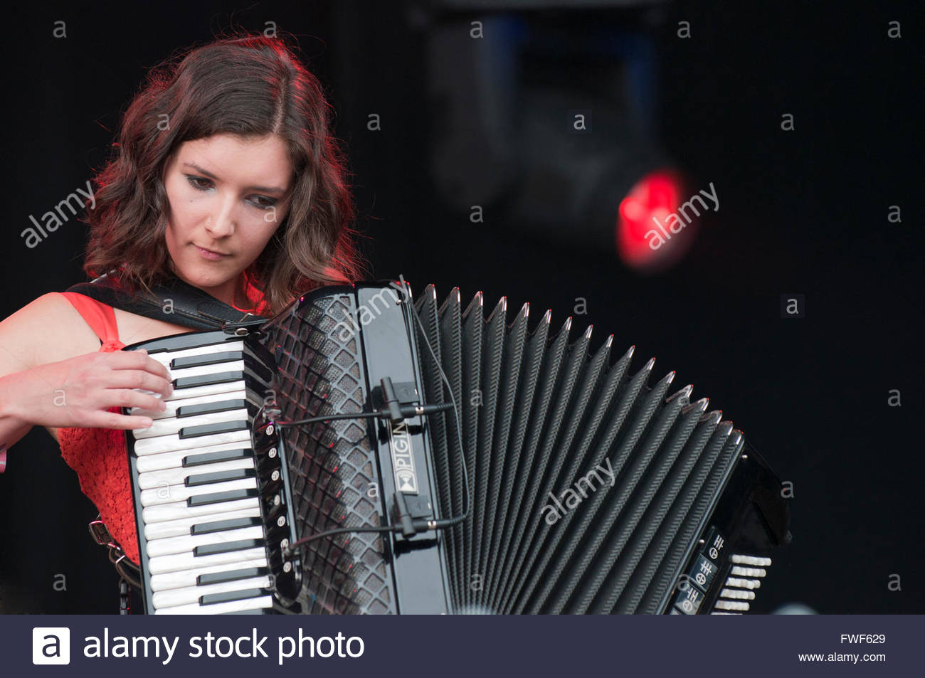 Amy Thatcher of The Shee at Fairport's Cropredy festival, UK, 2011. - Stock Image