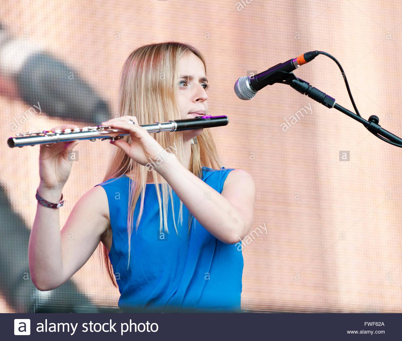 Lillas Kinsman-Blake of The Shee at Fairport's Cropredy festival, UK, 2011. - Stock Image