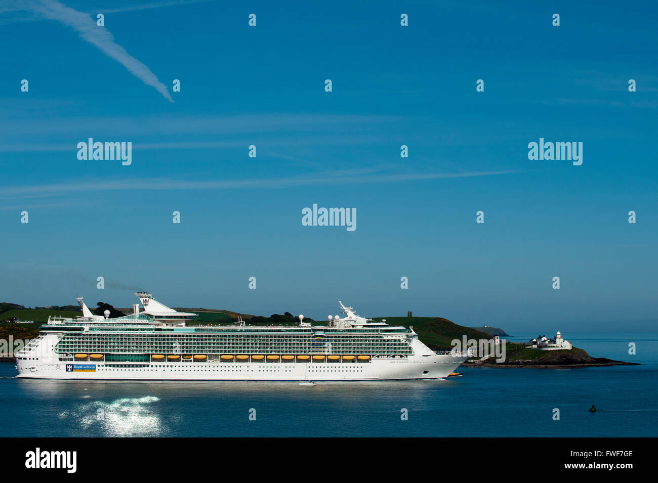 Cruise Liner 'Independence of the Seas' sails past Roches Point, Co. Cork Ireland. - Stock Image