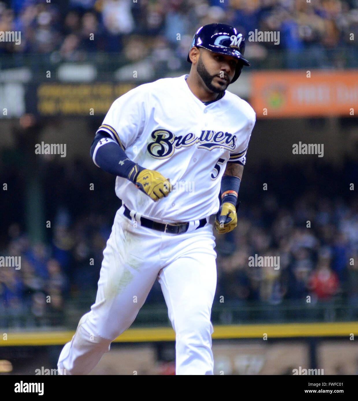 Milwaukee, WI, USA. 04th Apr, 2016. Milwaukee Brewers shortstop ...