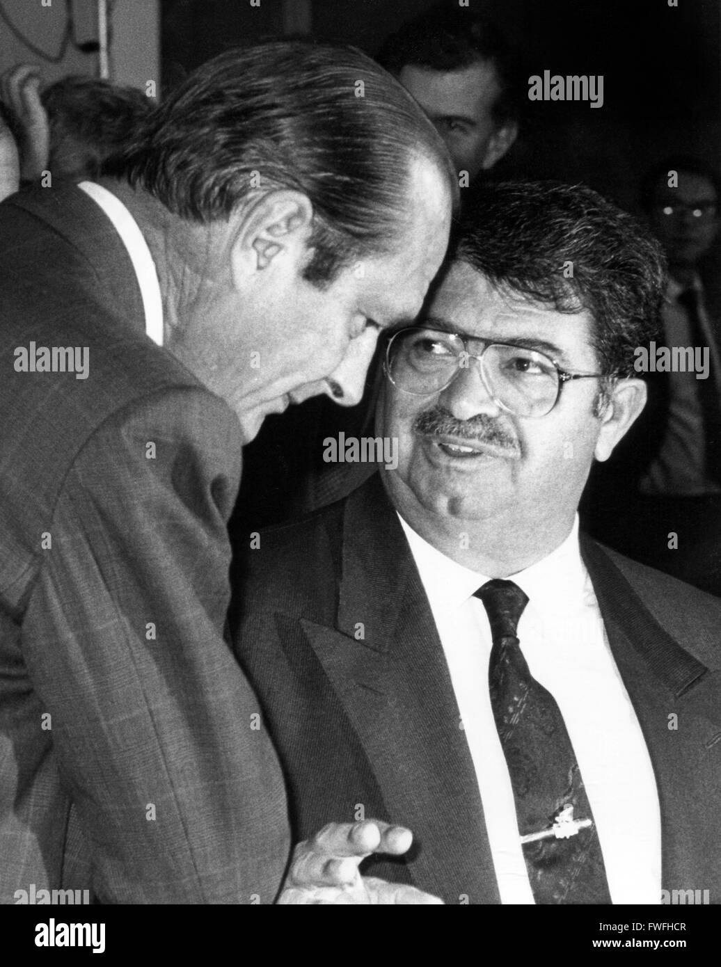 French prime minister Jacques Chirac (l) and the turkish prime minister Turgut Oezal (r) in September 1987 in Bonn - Stock Image