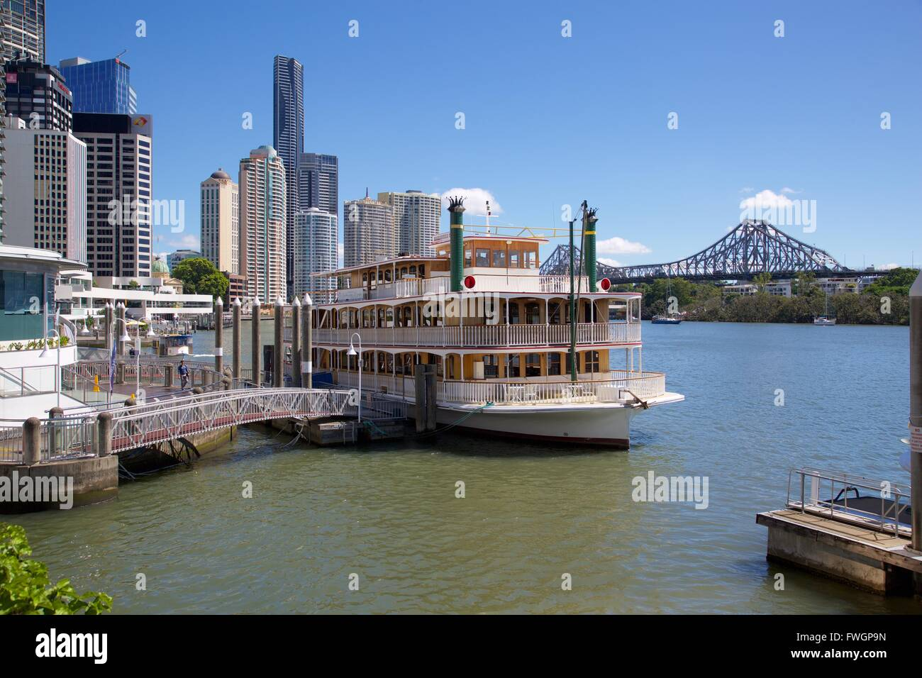 Brisbane River, Story Bridge and City Reach Boardwalk, Brisbane, Queensland, Australia, Oceania - Stock Image