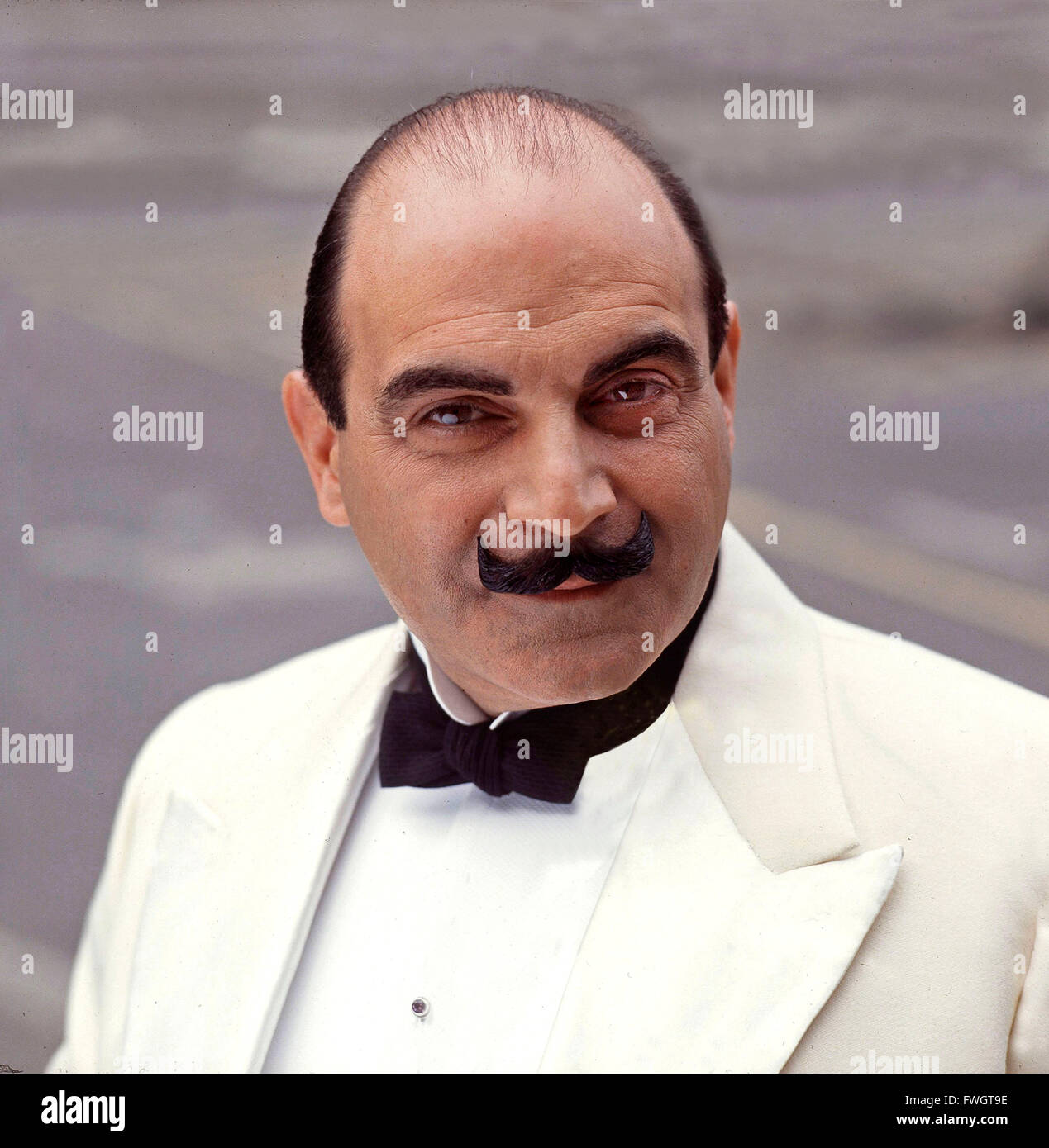 David Suchet on the set of Hercule Poirot 1992 - Stock Image