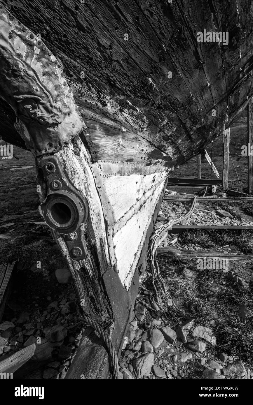 Mono stern post of rusty old whaler - Stock Image