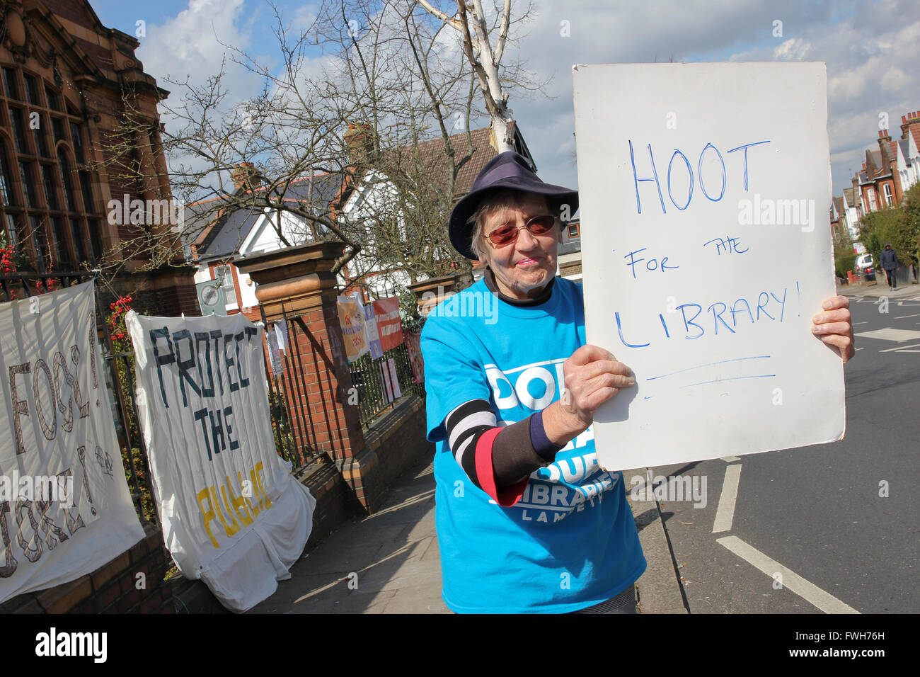 Protesting against the closure of Carnegie Library in Herne Hill, South London, UK. 5th April, 2016. Stock Photo