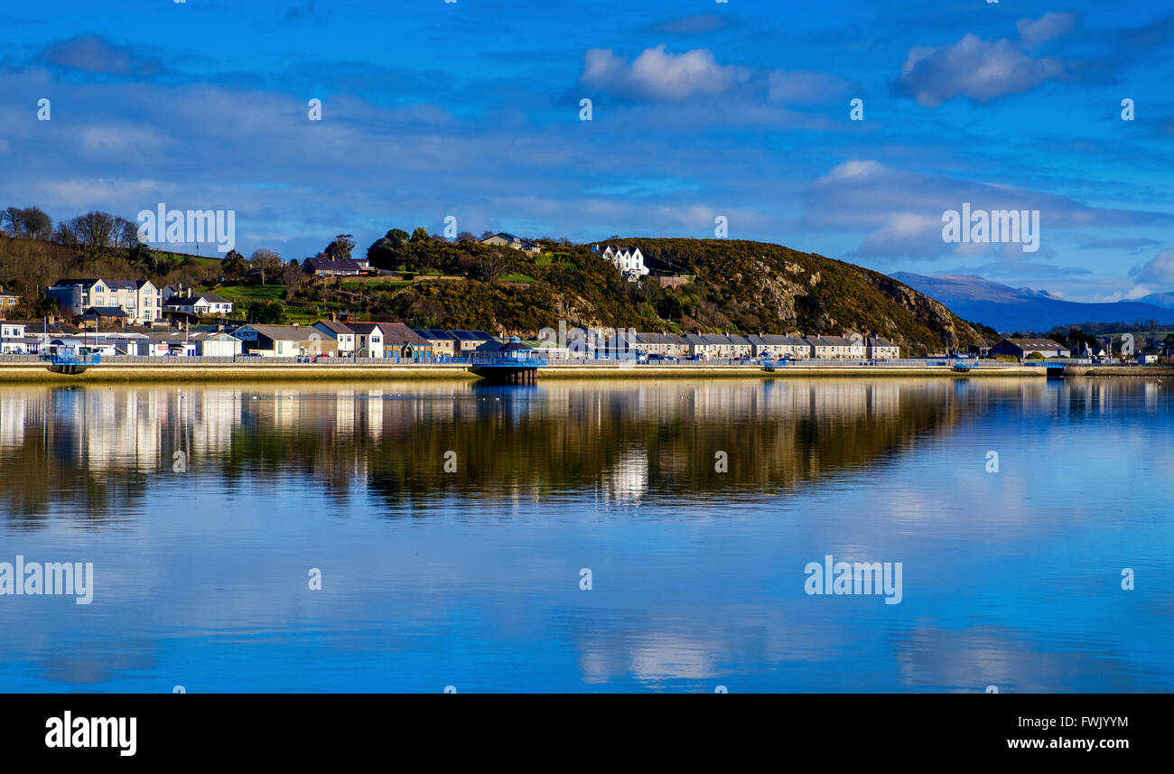 Looking over the harbour at Pwllheli, North Wales, UK - Stock Image