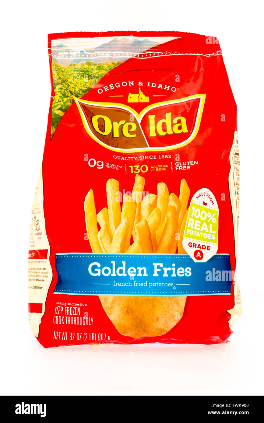 Winneconne, WI - 29 August 2015: Bag of Ore Ida golden fries, made from 100% potatoes. - Stock Image