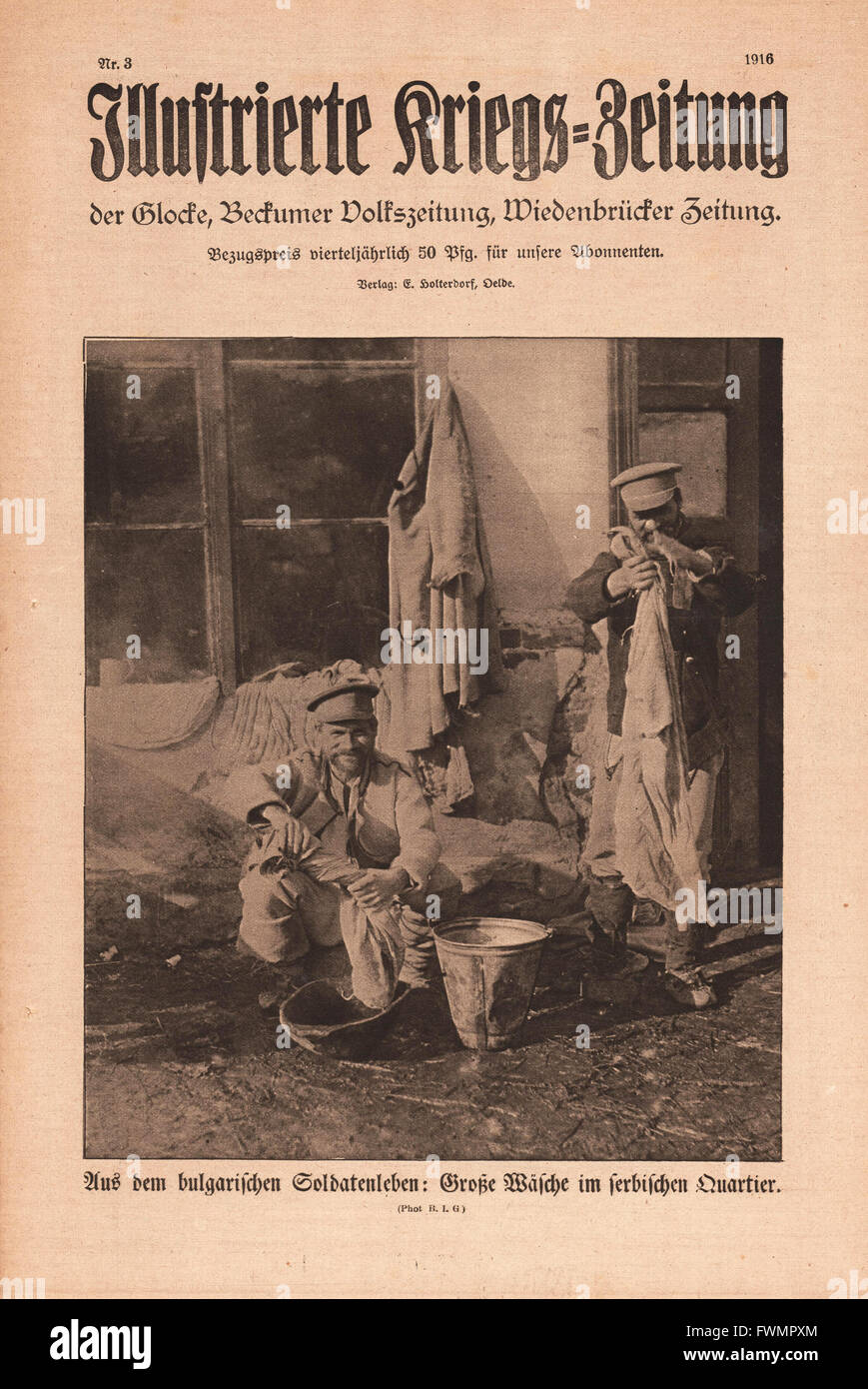 1916 Illustrierte Kriegs-Zeitung front page Bulgarian soldiers washing clothes Stock Photo