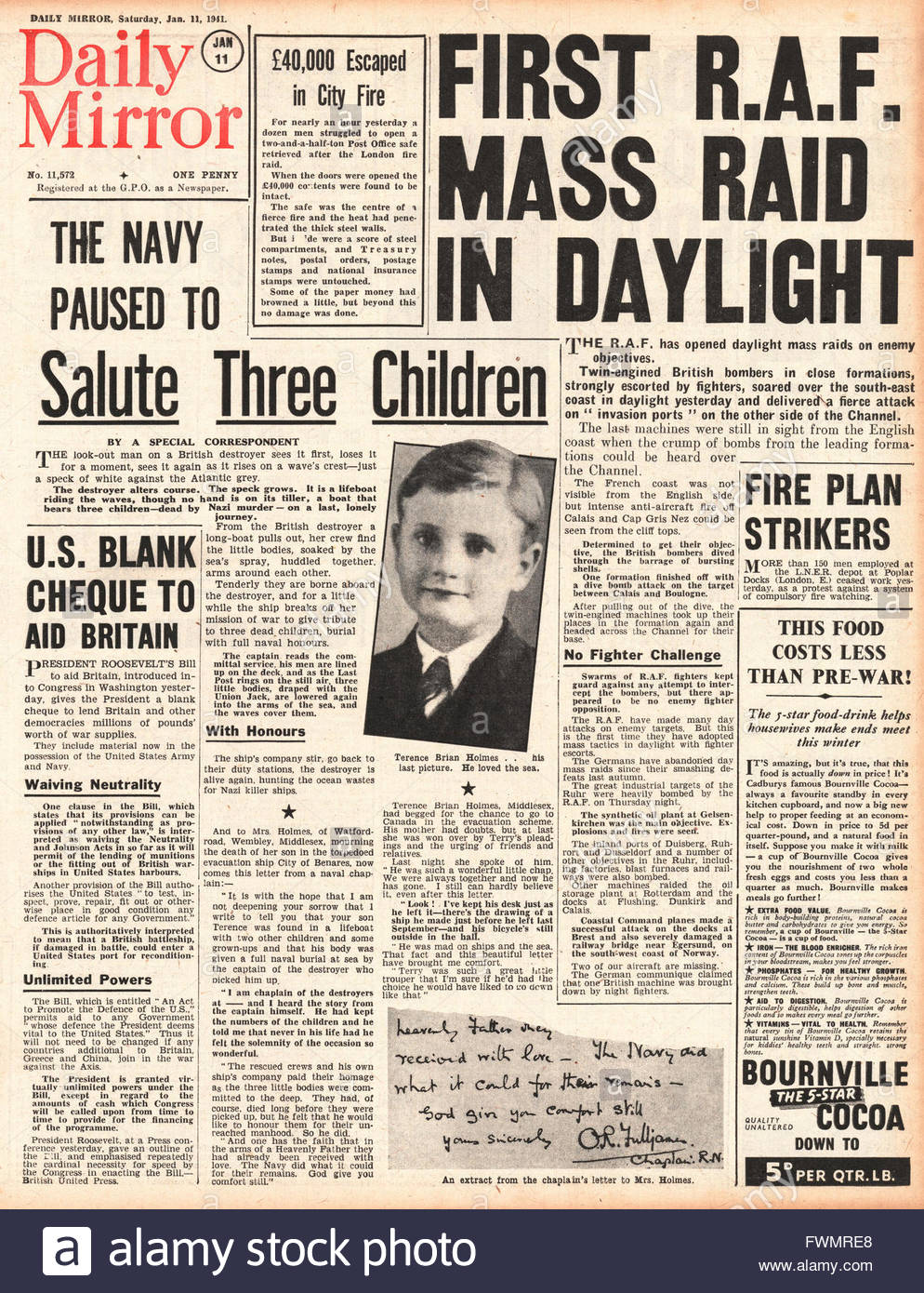 1941 front page Daily Mirror First RAF mass daylight raid and unlimited US aid for Britain - Stock Image