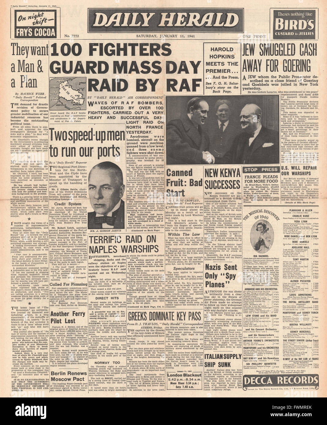 1941 front page Daily Herald First RAF mass daylight raid and unlimited US aid for Britain - Stock Image