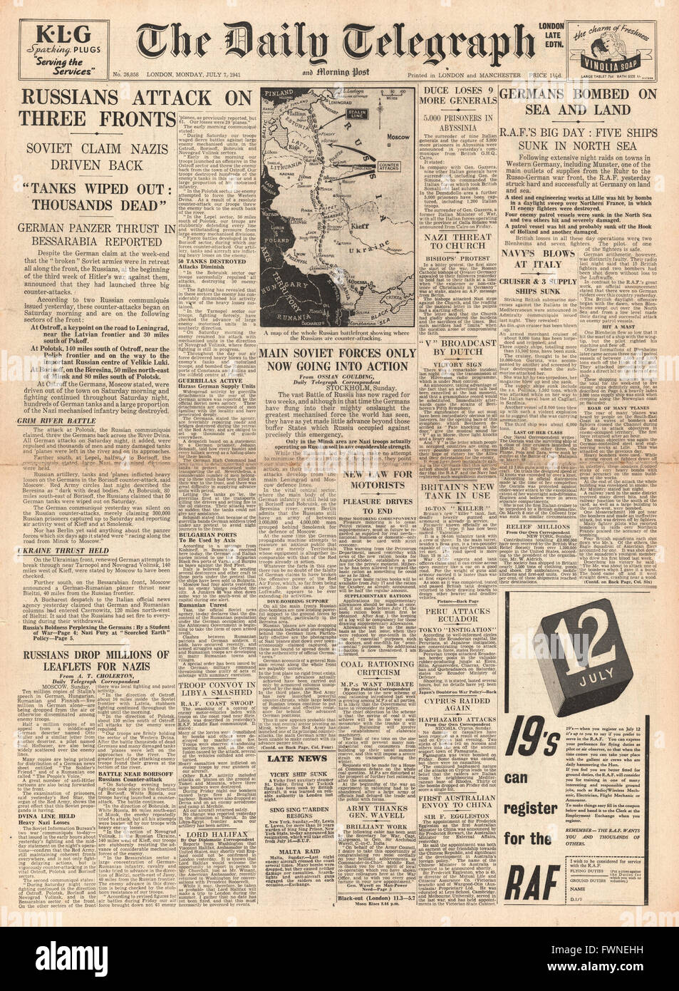 1941 front page  Daily Telegraph Russian Army Counter Attack and RAF Bomb German Bases and Shipping Stock Photo