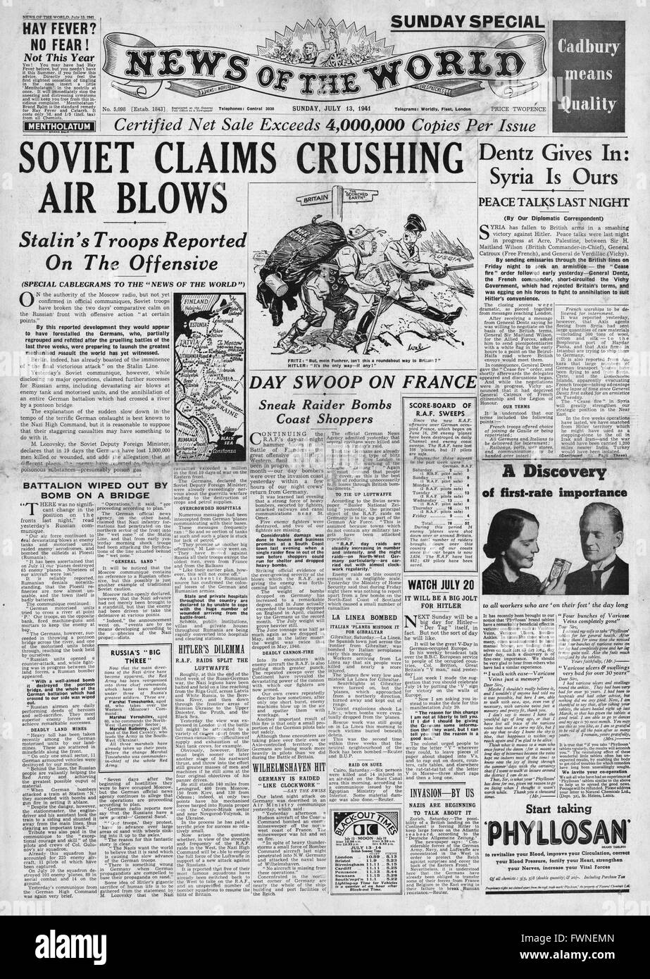 1941 front page  News of the World Russian Air Force Halt German Advance - Stock Image