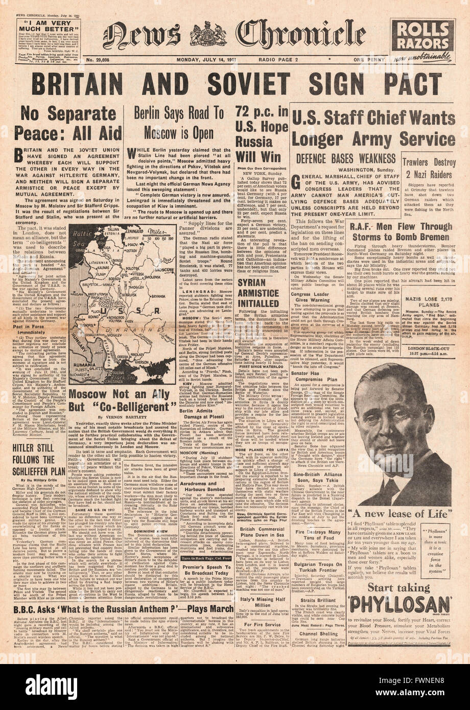 1941 front page News Chronicle Britain and Russia sign War Pact - Stock Image