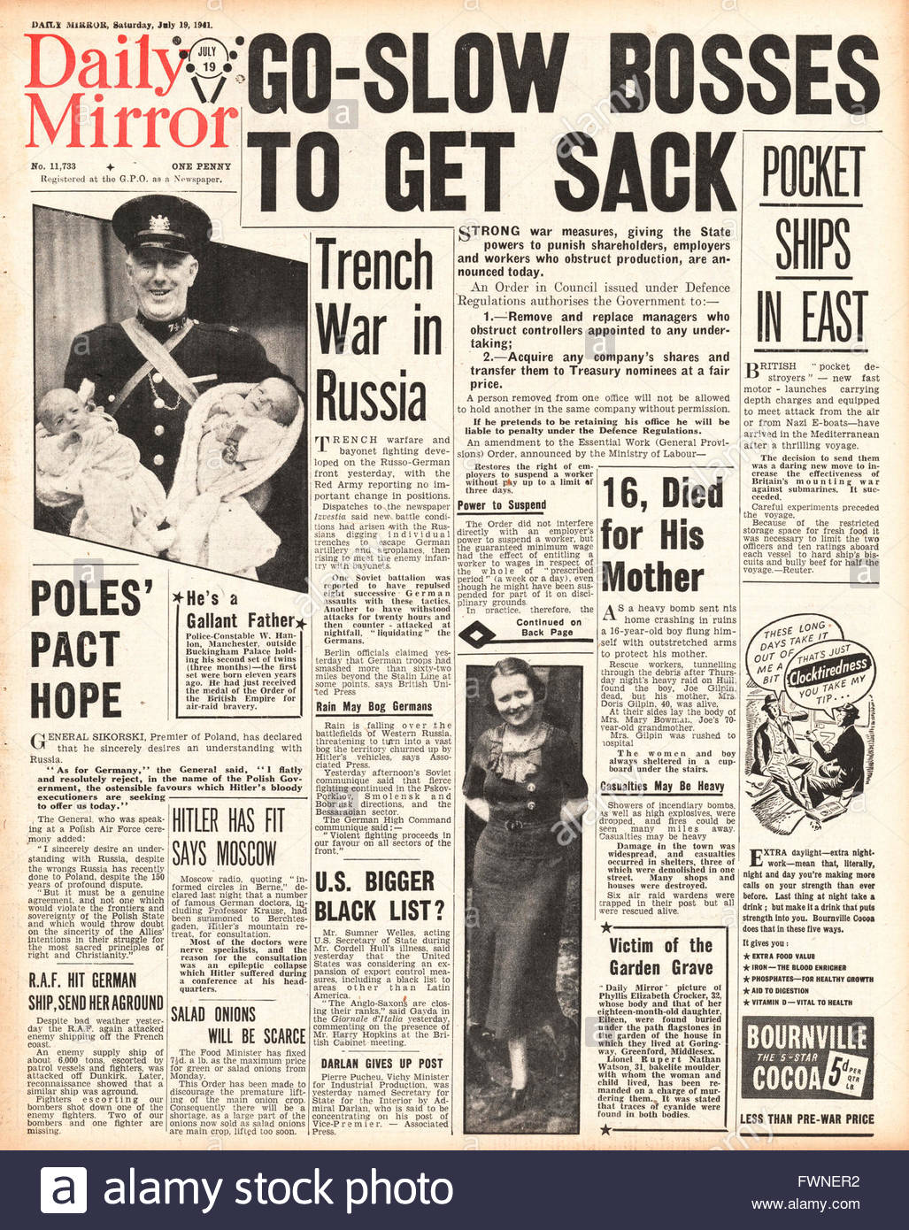 1941 front page  Daily Mirror Government Announces Stricter Defence Regulations against Employers and Companies Stock Photo