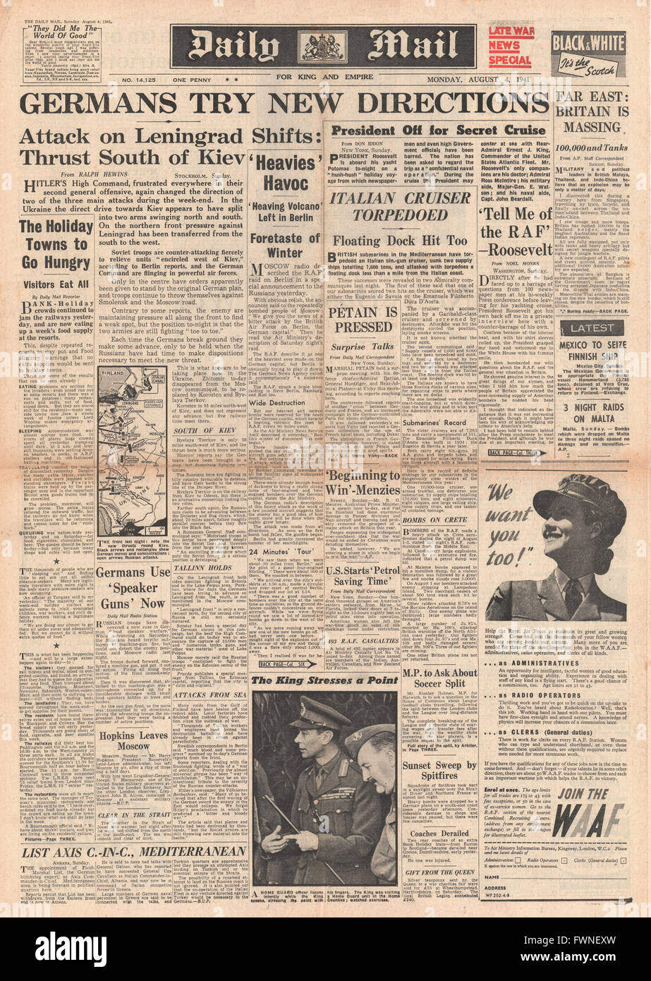 1941 front page Daily Mail Germans Advance on Eastern Front, Italian Cruiser Torpedoed and British Forces massing Stock Photo