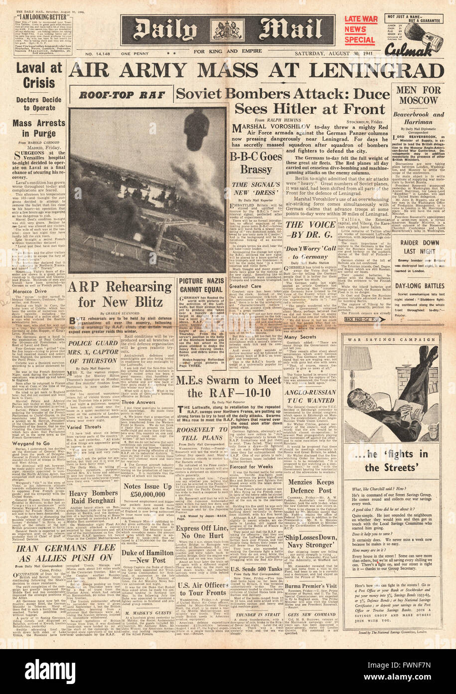 1941 front page Daily Mail Soviet Air Force mass at Leningrad Stock Photo