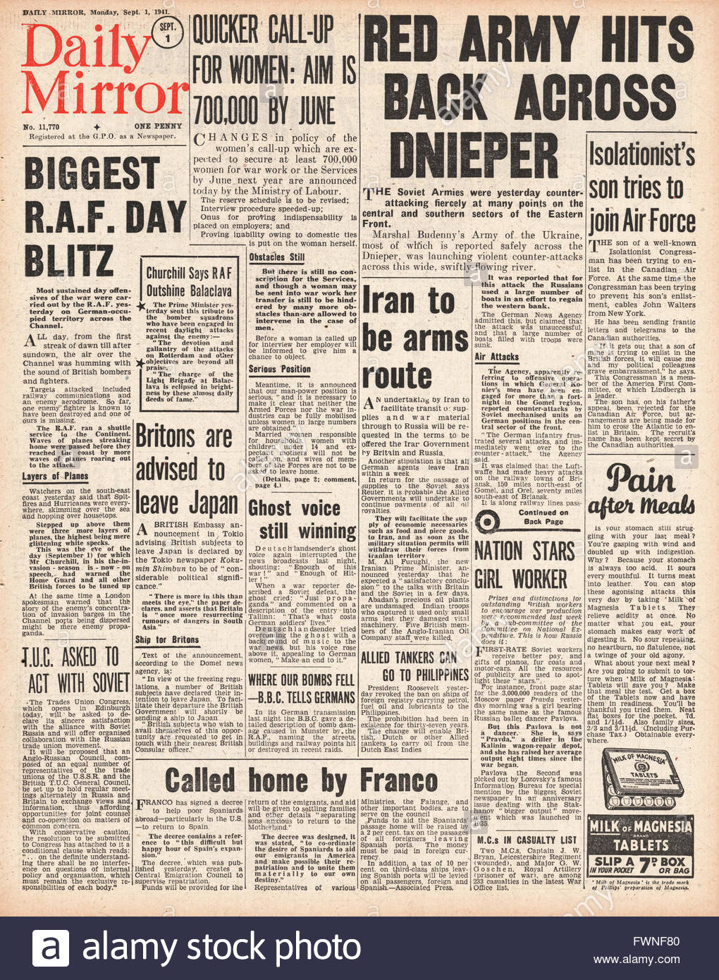 1941 front page Daily Mirror Counter Attack by Russian Army and RAF Bomb German Occupied Europe Stock Photo