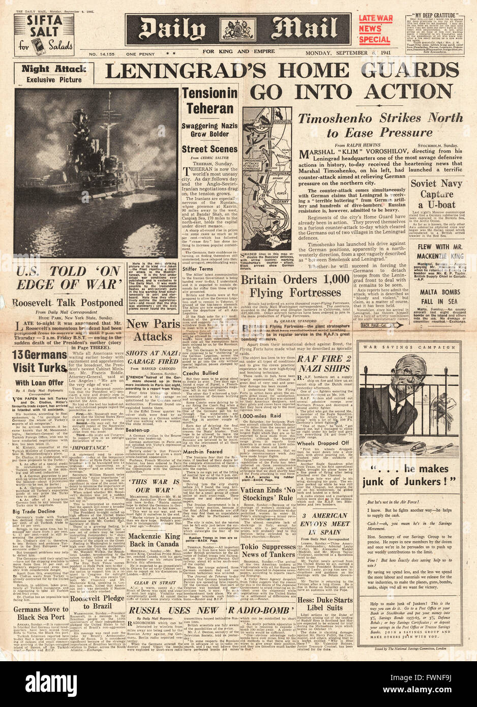 1941 front page Daily Mail Battle for Leningrad Stock Photo