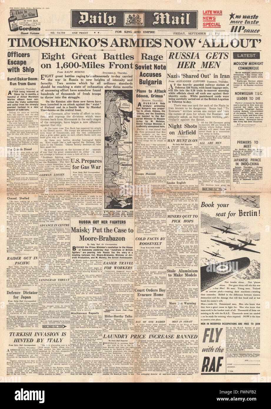 1941 front page Daily Mail Russian and German Armies battle along Eastern Front Stock Photo