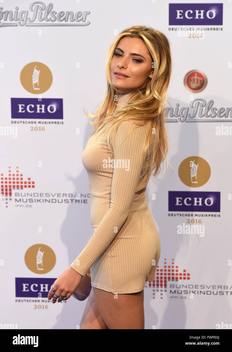 Berlin, Germany. 07th Apr, 2016. Actress Sophia Thomalla arrives to the 25th Echo music award ceremony in Berlin, Stock Photo